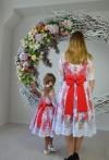 Гіпюрові одинакові сукні для мами і донечки