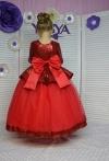Сукня з червоними паєтками