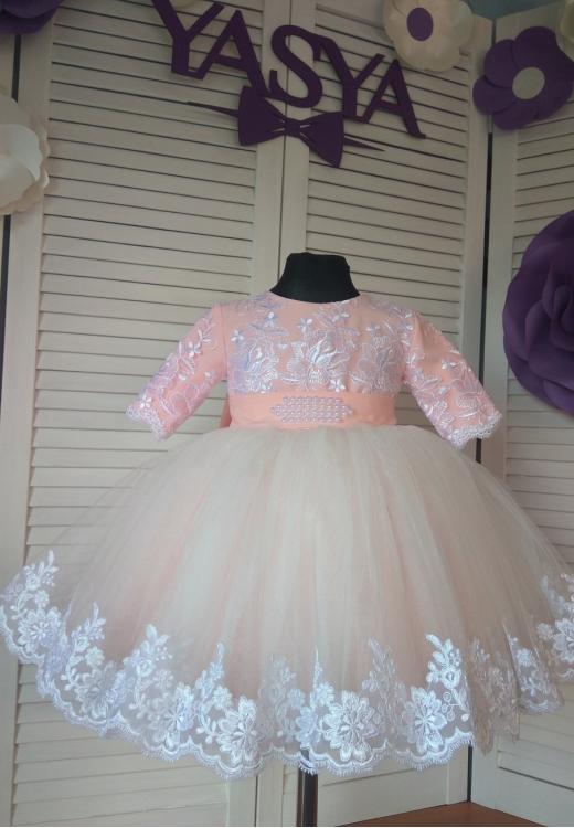 Ніжна сукня в наявності на рочок